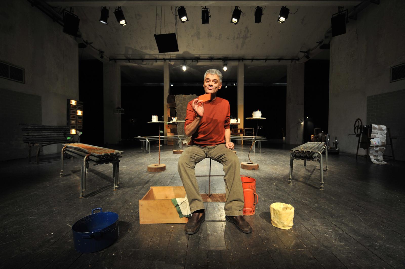 """Teatro """" la cucina """" al Pini, spettacolo """" la strada di Pacha con Gigi Gherzi"""